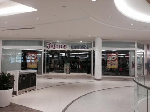 Justice & Brothers, Bayshore Shopping Centre, Steric Design & General Contracting